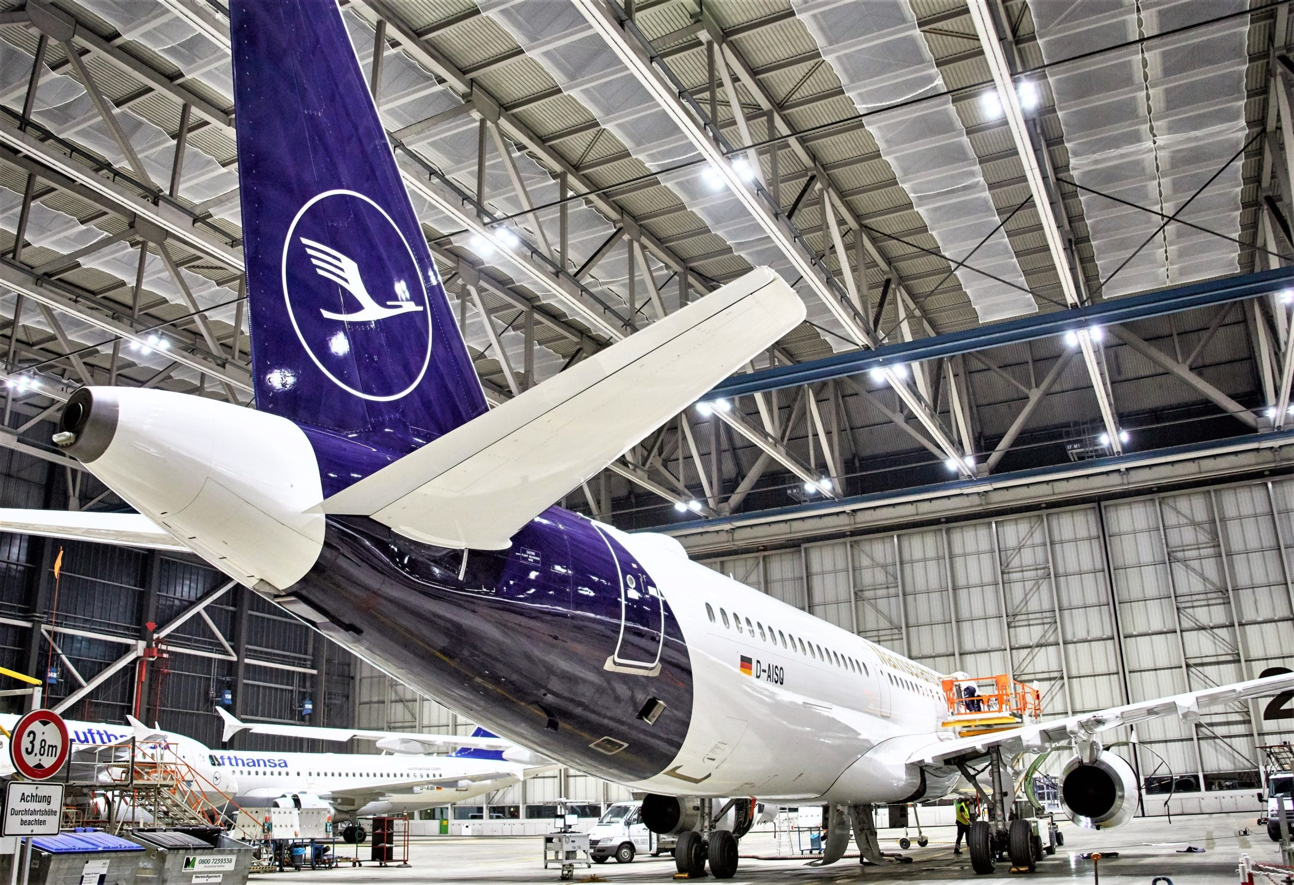 Lufthansa to receive A321P2F pair by yearend